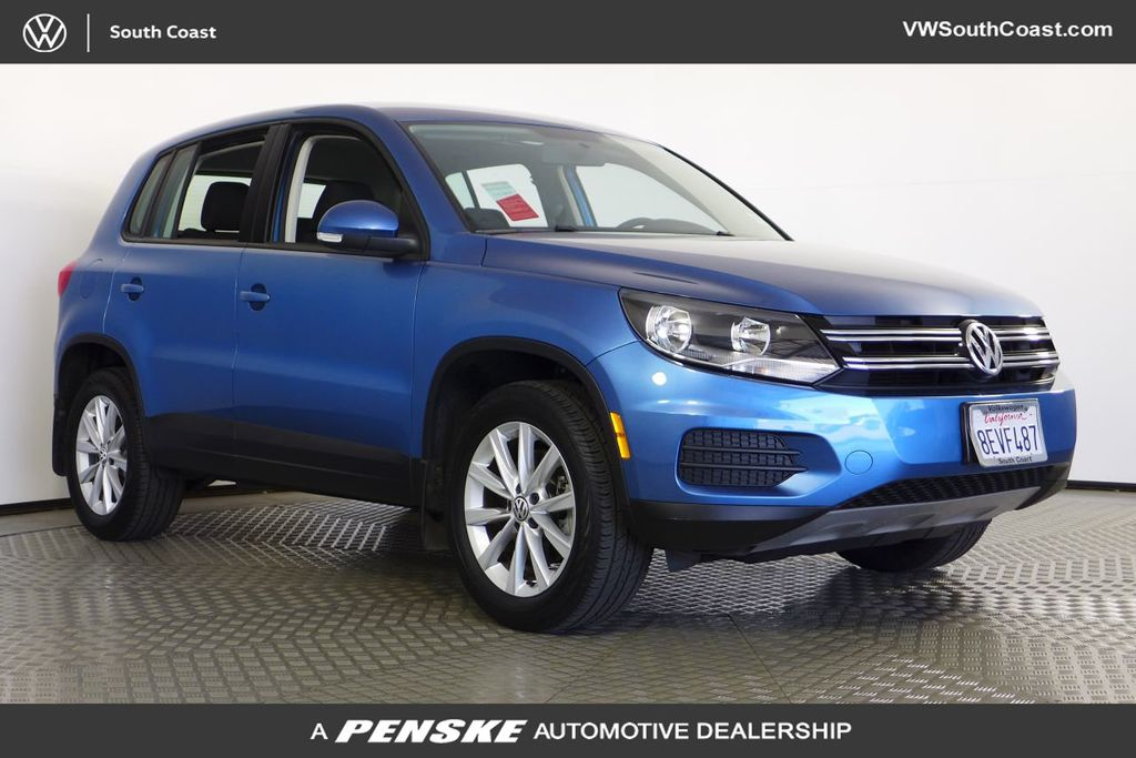 Certified Pre-Owned 2017 Volkswagen Tiguan 4DR 4MOTION